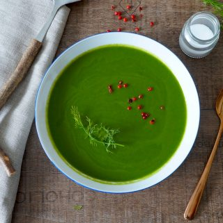 Spinach cucumber and zucchini soup